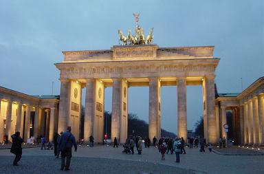 oost berlijn oost duits gebouw